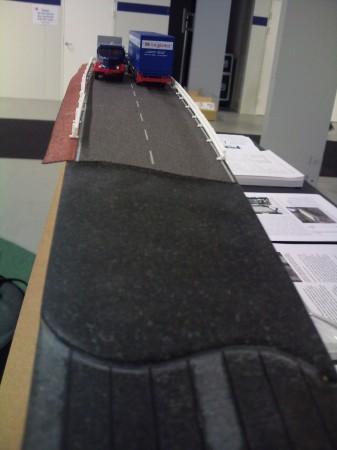 Brückenmodell aus faserbeschichteten Steinscheiben